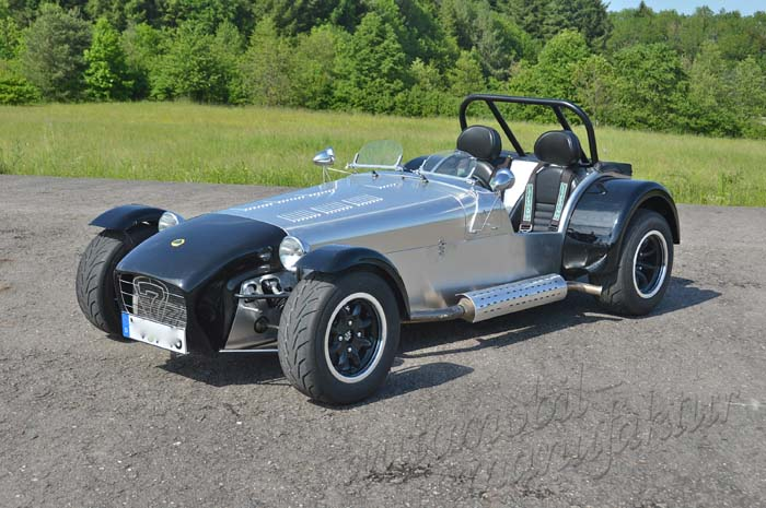 "Caterham Editione Ultra Leggera ""The Waving Flag"""